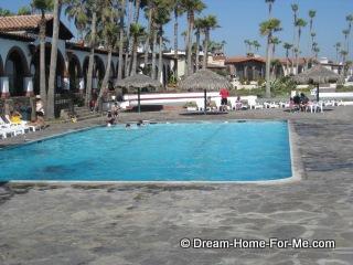 Las Gaviotas Swimming Pool